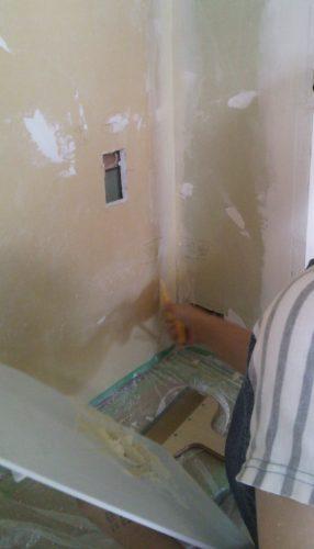 塗り壁DIY下地パテ塗りコーナー