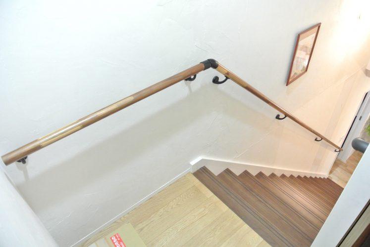 おしゃれかっこいい階段手すり アイアンブラック 取付完成 施工事例
