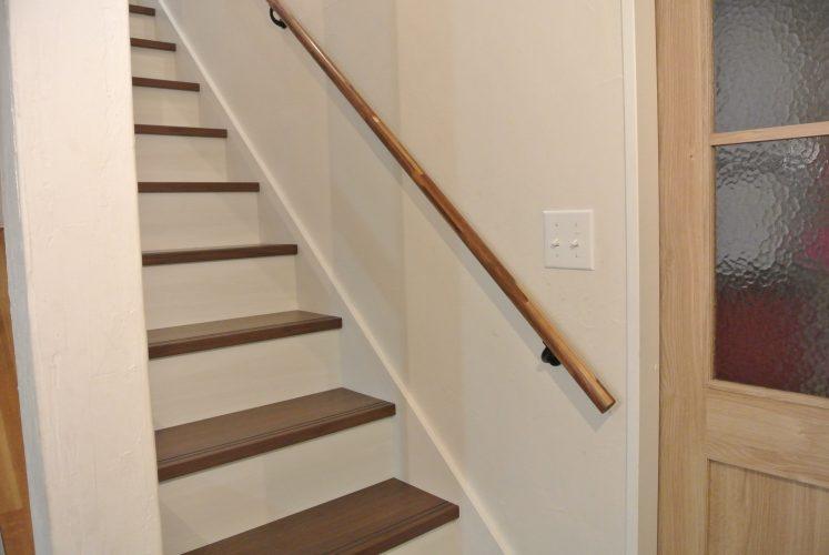 おしゃれかっこいい階段手すり ウォールナット ナチュラル施工事例