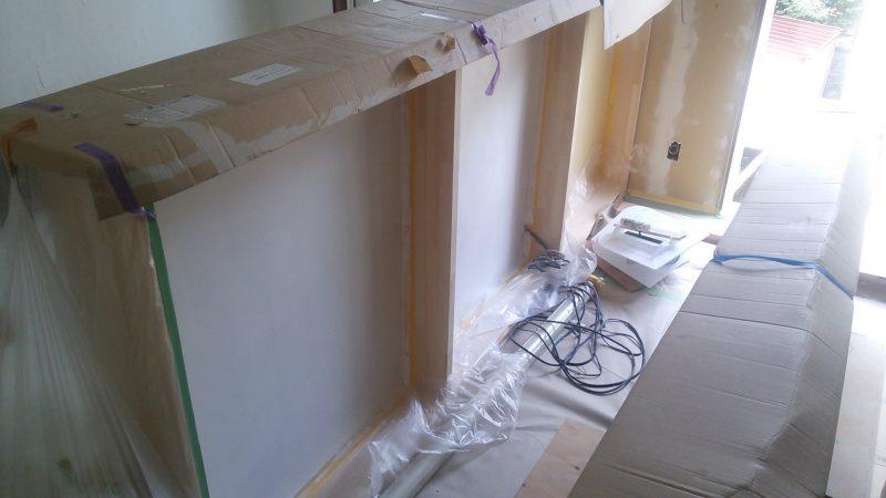 キッチンカウンター白ペイントDIY 中を塗る
