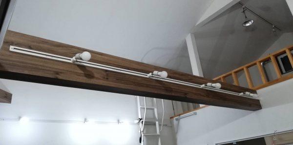 勾配天井(傾斜天井)梁のダクトレール失敗