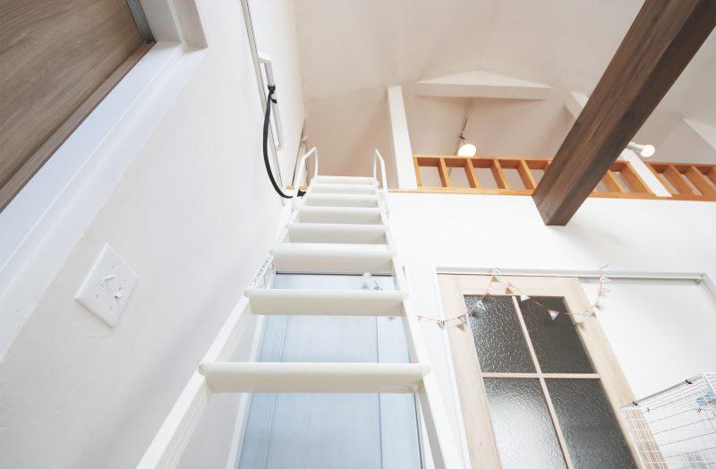 リビングロフト階段あがるイメージ
