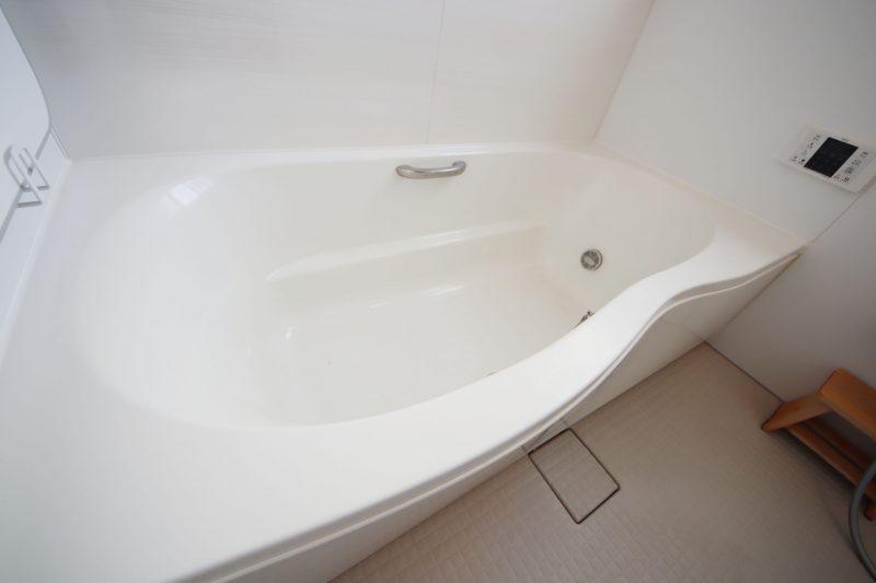 浴槽もホワイトアライズの形が最高