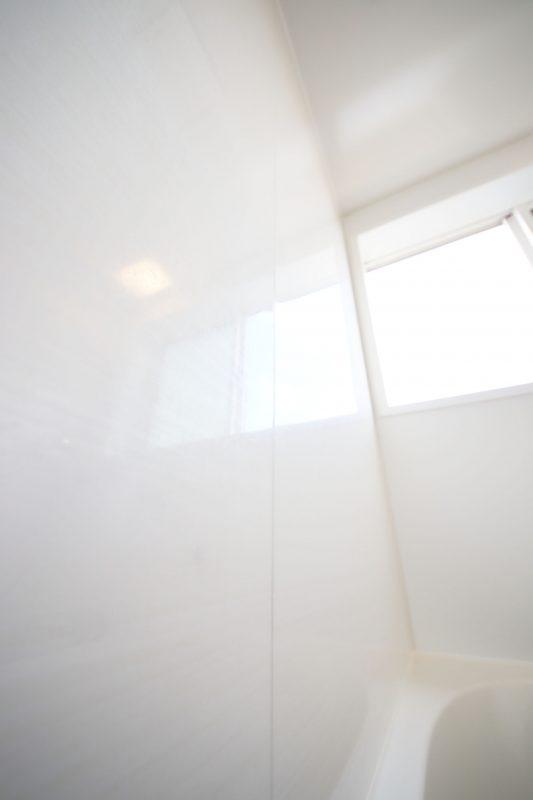 WEB内覧会浴室の壁は真白